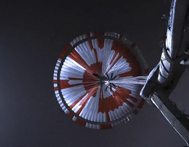 perseverance-parachute
