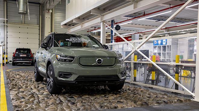 La FIN du moteur à combustion pour Volvo, qui ne produira plus QUE des voitures électriques d'ici 2030