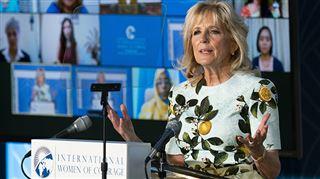 Jill Biden soutient-elle publiquement Meghan Markle en portant cette ROBE? (photos)