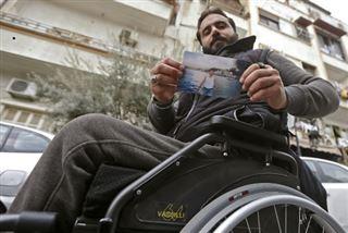 Avant/après- une décennie de guerre et le témoignage en photos de dix Syriens