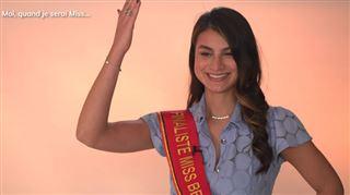 Les finalistes Miss Belgique apprennent à saluer d'une manière... particulière- C'est pas très naturel! (vidéo)