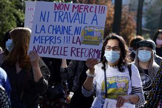Les bébés ne sont pas des sardines- le personnel des crèches en grève contre une réforme