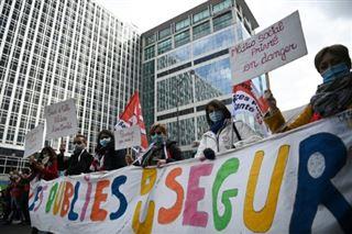 Handicap, aide à l'enfance- un millier d'oubliés du Ségur manifestent à Paris