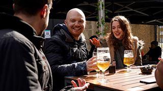 En Angleterre, un goût de LIBERTÉ retrouvé- les cafés et restaurants rouvrent aujourd'hui