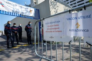 Vaccination des professionnels prioritaires- faible affluence dans un centre parisien