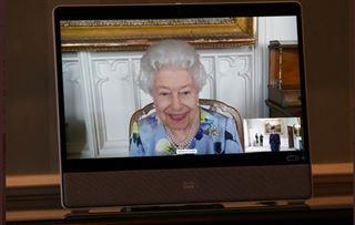La Reine Elizabeth II fait sa première apparition publique depuis les funérailles de son époux