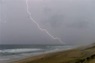 Treize départements toujours en alerte orange orages ou vent, principalement dans le sud-ouest