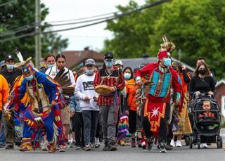 Pensionnats autochtones- Justin Trudeau promet des actions concrètes