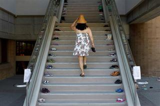 Au Canada, des petites chaussures pour dénoncer l'horreur des pensionnats autochtones