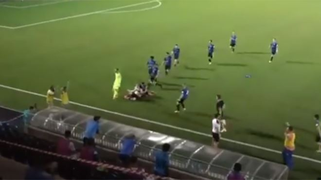 120 minutes, 3-4 et un sauveur- le but SOMPTUEUX d'un joueur irlandais (vidéo)
