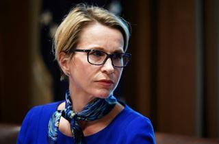 Emma Walmsley, patronne de GSK, face aux investisseurs hostiles et au Covid