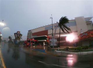 L'ouragan Grace rétrogradé en tempête tropicale après avoir touché terre