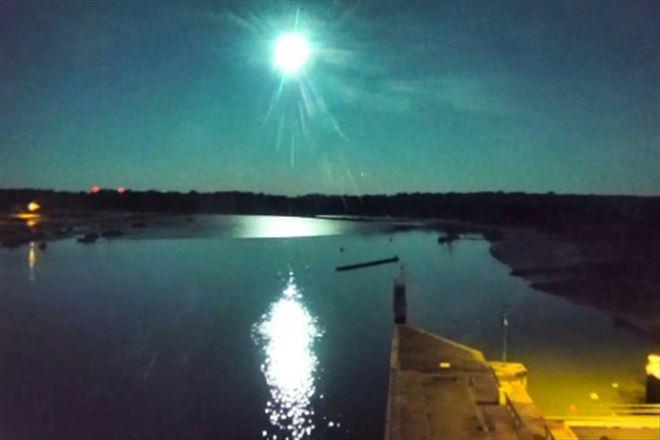 Un météore a traversé le ciel de la Bretagne au sud de l'Angleterre