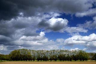 La pluie et les nuages éclipseront le soleil jeudi