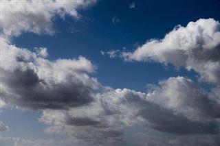 Un temps sec avec des éclaircies dimanche et lundi