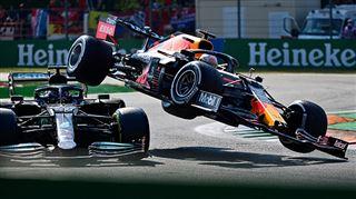 Après leur accident spectaculaire, Verstappen et Hamilton convoqués par les commissaires de course