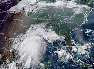 Etats-Unis- la tempête tropicale Nicholas faiblit en avançant dans les terres