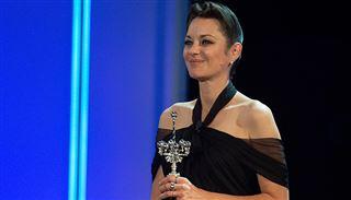 Marion Cotillard a reçu un prix qui honore toute sa carrière au Festival du film de Saint-Sébastien (vidéo) 7
