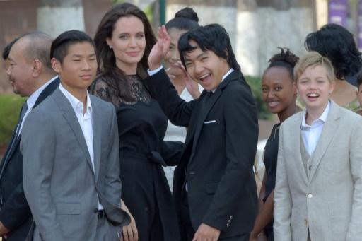 Angelina Jolie présente au Cambodge son film sur les Khmers rouges