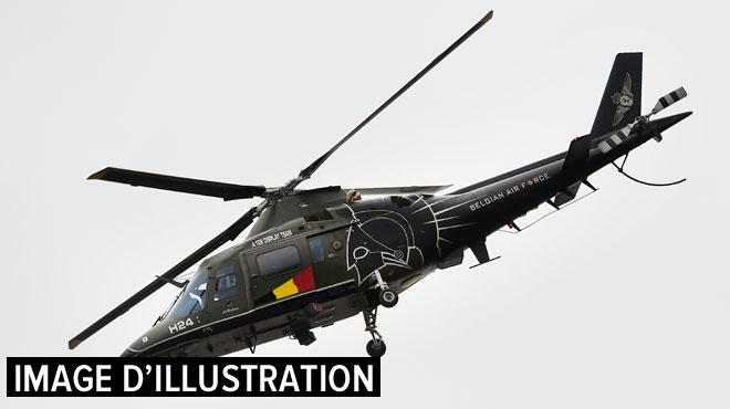 Un hélicoptère de l'armée belge permet de sauver trois naufragés au large des côtes britanniques