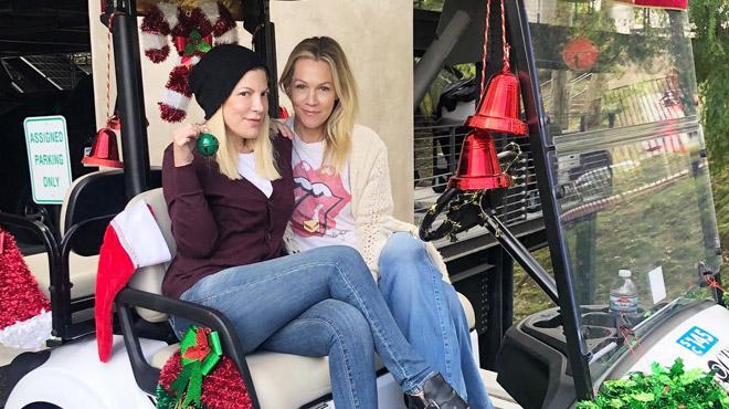 """Tori Spelling prépare une nouvelle série avec Jennie Garth qui interprétait Kelly dans Beverly Hills: """"C'est ma meilleure amie"""""""