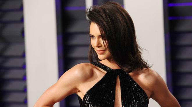 La robe HYPER OSÉE de Kendall Jenner à la soirée des Oscars