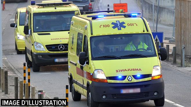 Un sexagénaire fait une chute mortelle en moto à l'entrée de Nassogne