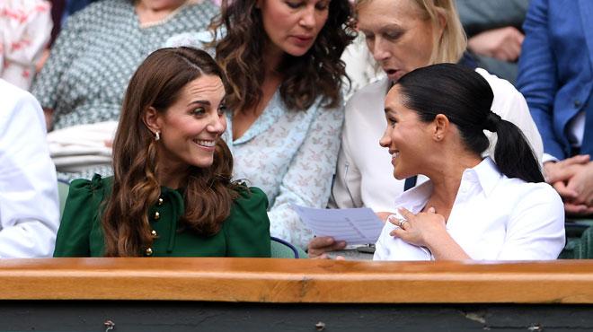 Wimbledon, le rendez-vous des célébrités: Meghan Markle et Kate Middleton très complices dans les tribunes (photos)