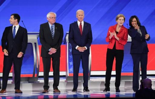 Le favori centriste Biden combatif dans un vif débat démocrate