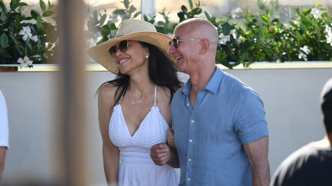 Les PHOTOS HOT du passé de la nouvelle petite amie de Jeff Bezos, le patron d'Amazon, refont surface