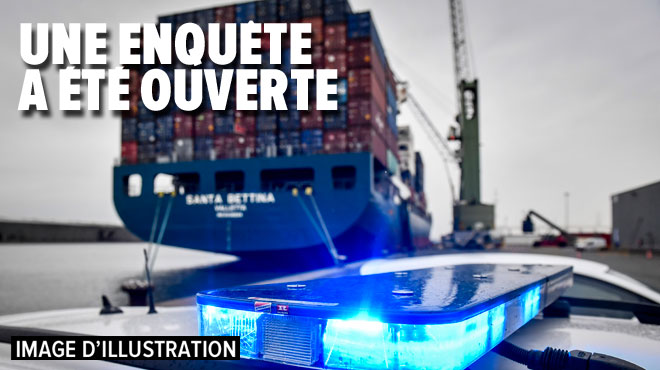 """Anvers: une vidéo montre des dockers goûter de la cocaïne saisie pour """"voir si c'en est réellement"""""""