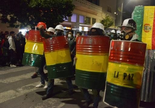 """Bolivie: mutineries dans la police, Morales dénonce un coup d'Etat """"en cours"""""""