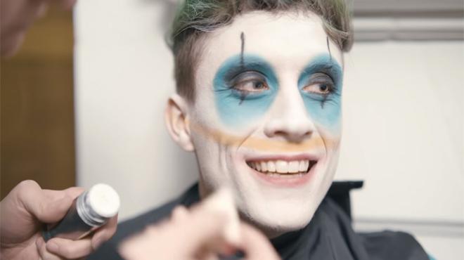 """Loïc Nottet dévoile les secrets de """"Candy"""", son court-métrage musical: """"L'un des meilleurs tournages depuis le début de ma carrière"""" (vidéo)"""