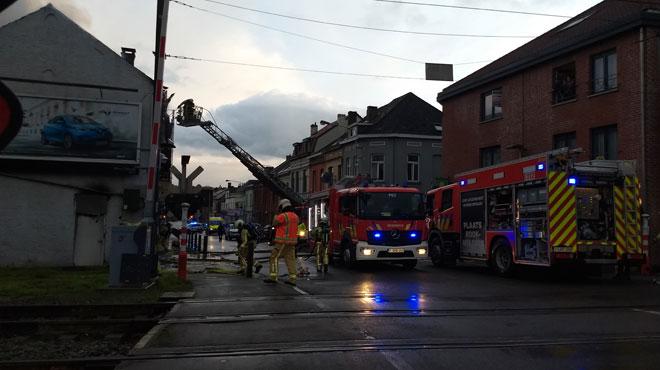 Wavre: une maison inoccupée prend feu