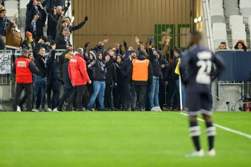 L1: en conflit avec le club, les ultras girondins perturbent Bordeaux-Nîmes