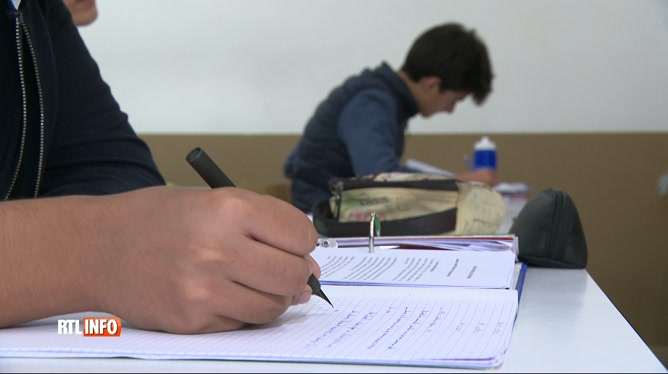 Jury central : l'examen du CESS général avancé de trois semaines