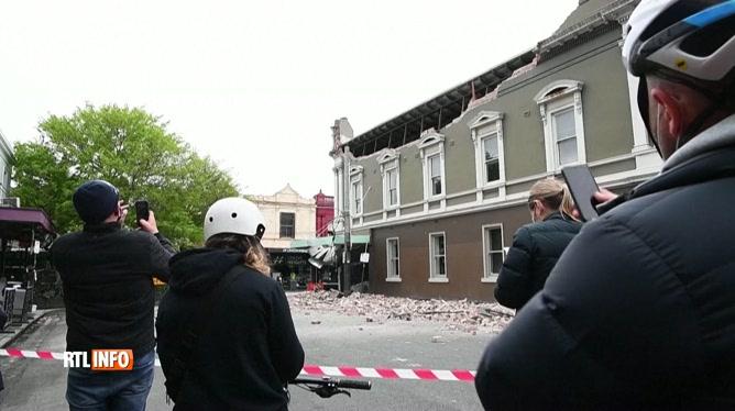 Les Australiens surpris par un séisme