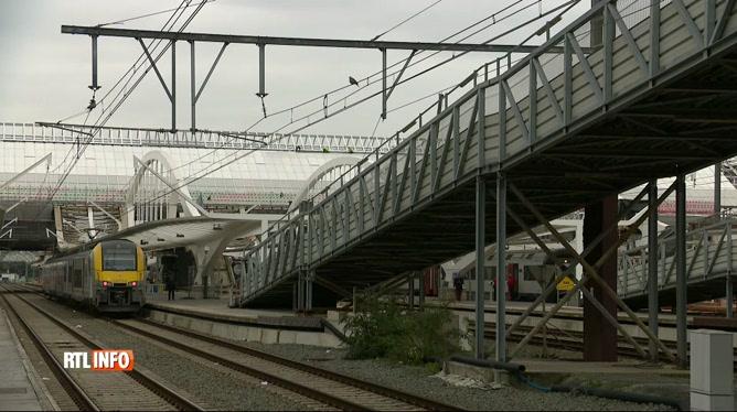 La passerelle provisoire de la gare de Mons doit déjà être rénovée